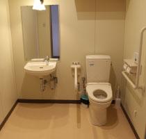 グリーン会館桜島斎場 体の不自由な方にもご利用頂ける多目的トイレ